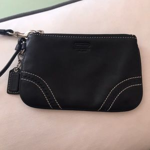 Coach Bags - 🌟NWOT Coach brown leather wristlet